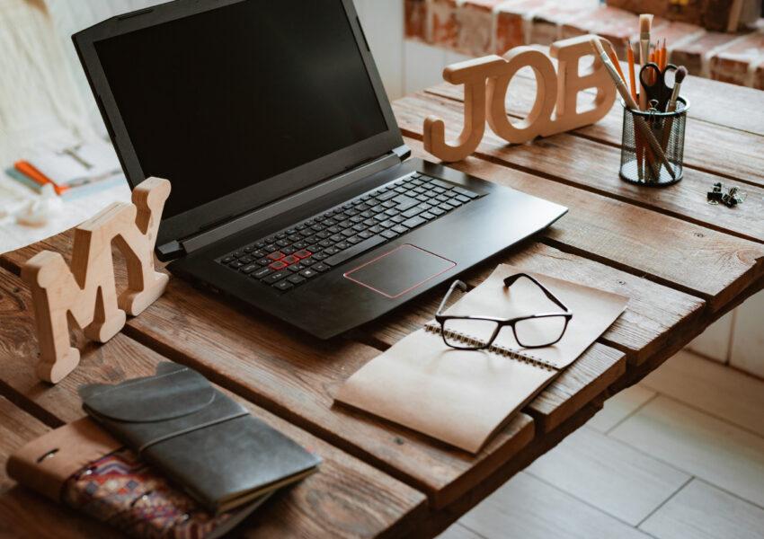 Procesory laptopów z tej serii (AMD Ryzen 5000U) są naprawdę bardzo wydajne i dodatkowo energooszczędne